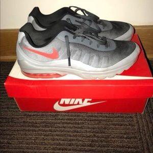 Men's size 14 Nike Tennis Shoes